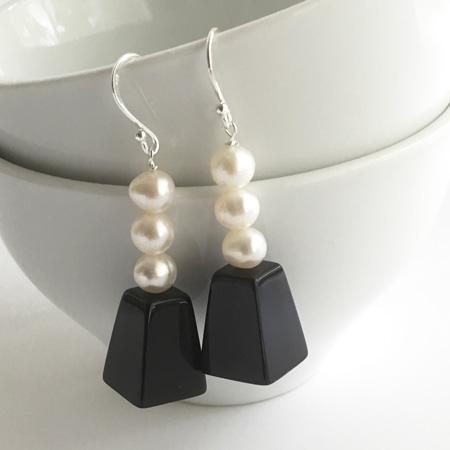Opera pearl earrings
