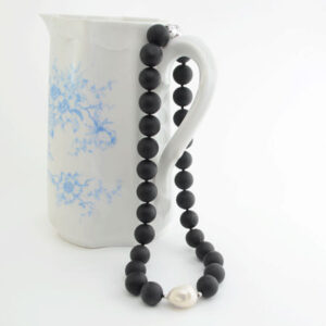 onyx pearl statement necklace
