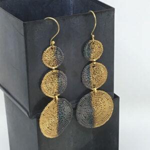three disc gold black earrings