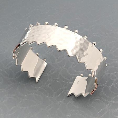 Hammered bracelet