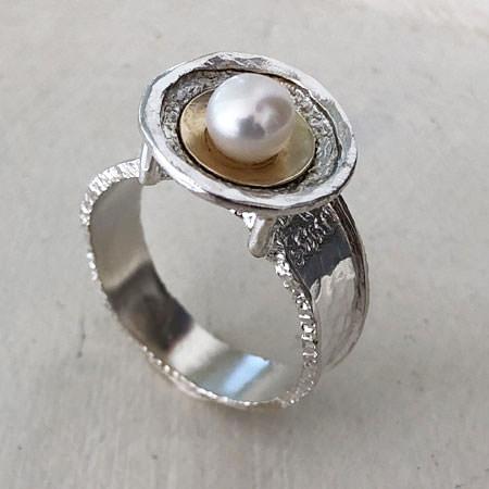 Poseidon pearl ring