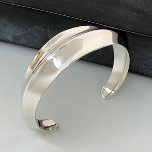 Silver ridged cuff