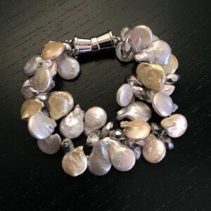 Paige pearl bracelet