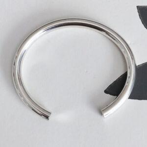 Round open silver bangle
